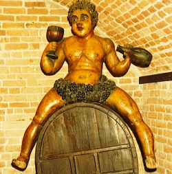 Bacchus - wine god - called 'Fat Maryna', is associated with Torun wine and raftsmen tradition, now held in the District Museum in Torun