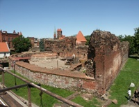 Ruins of the Teutonic castle proper. Click to enlarge