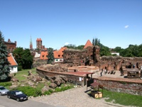 Fragment of the Teutonic castle ruins. Click to enlarge